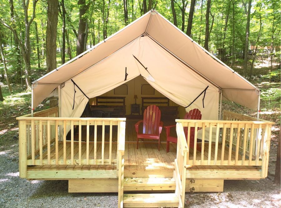 Picture of outside of luxury tent rental